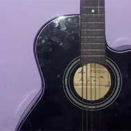 فروش گیتار نو و کم کارکرد