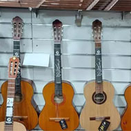 فروش گیتار برند مت